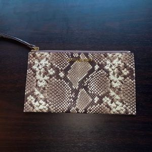 AUTHENTIC MICHAEL KORS WRISTLET / CLUTCH!